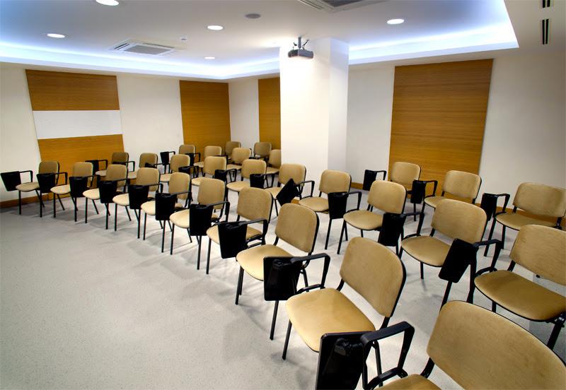 İmpladent Ağız ve Diş Sağlığı Polikliniği Toplantı Salonu